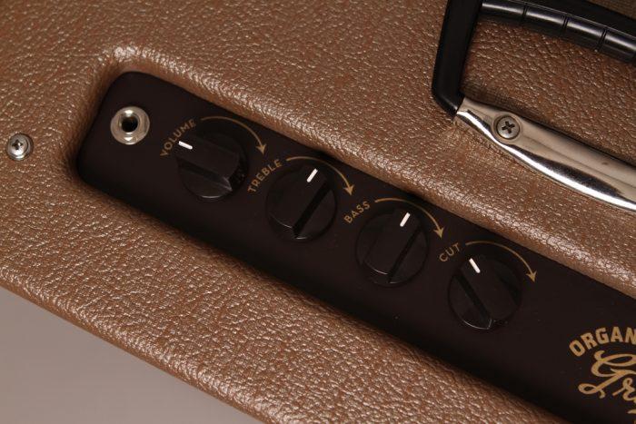 Panel Close Reverse 700x467 - 3 Monkeys Amp – Organ Grinder