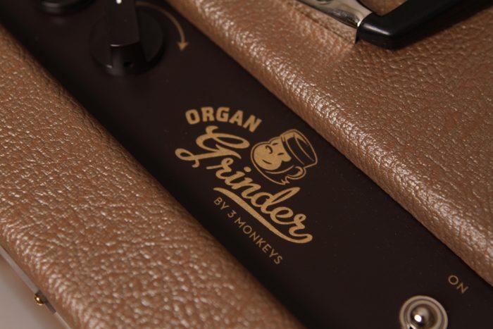 Panel Logo 700x467 - 3 Monkeys Amp – Organ Grinder
