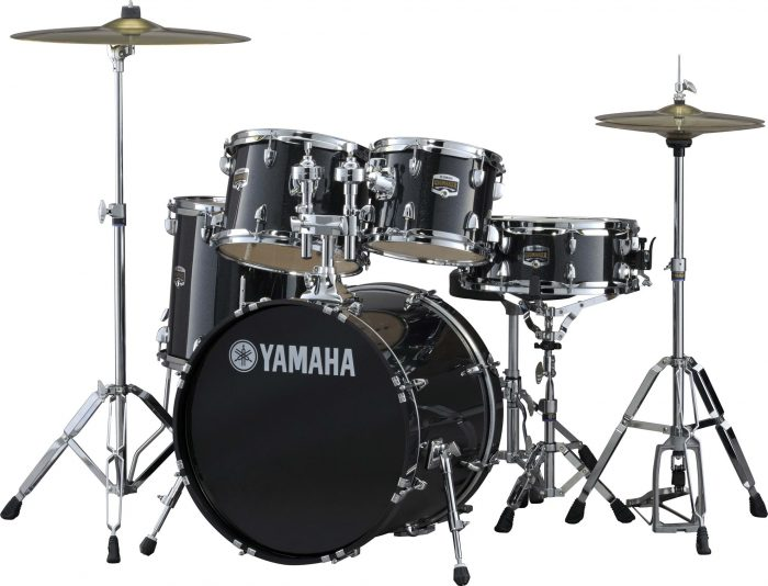 0004271 yamaha gigmaker drum kit in fusion sizes black glitter with paiste 101 cymbal pack 700x534 - Yamaha Gigmaker Fusion Drum Kit