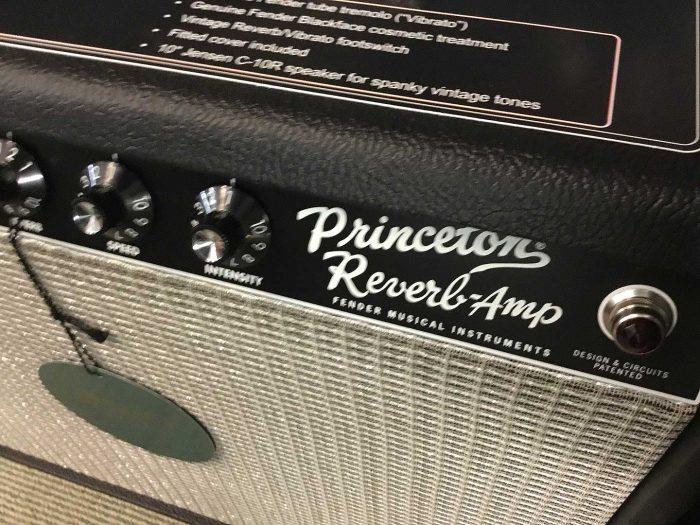 princeton reverb03 700x525 - Fender 65 Princeton Reverb