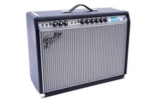 Vibrolux 500x333 - '68 Custom Fender Vibrolux Reverb Amp