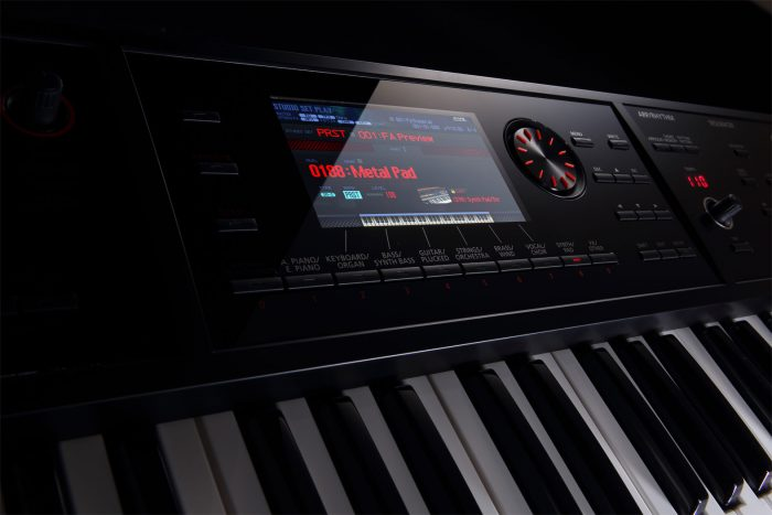 fa 06 lcd screen gal 700x467 - Roland FA-06 Music Workstation