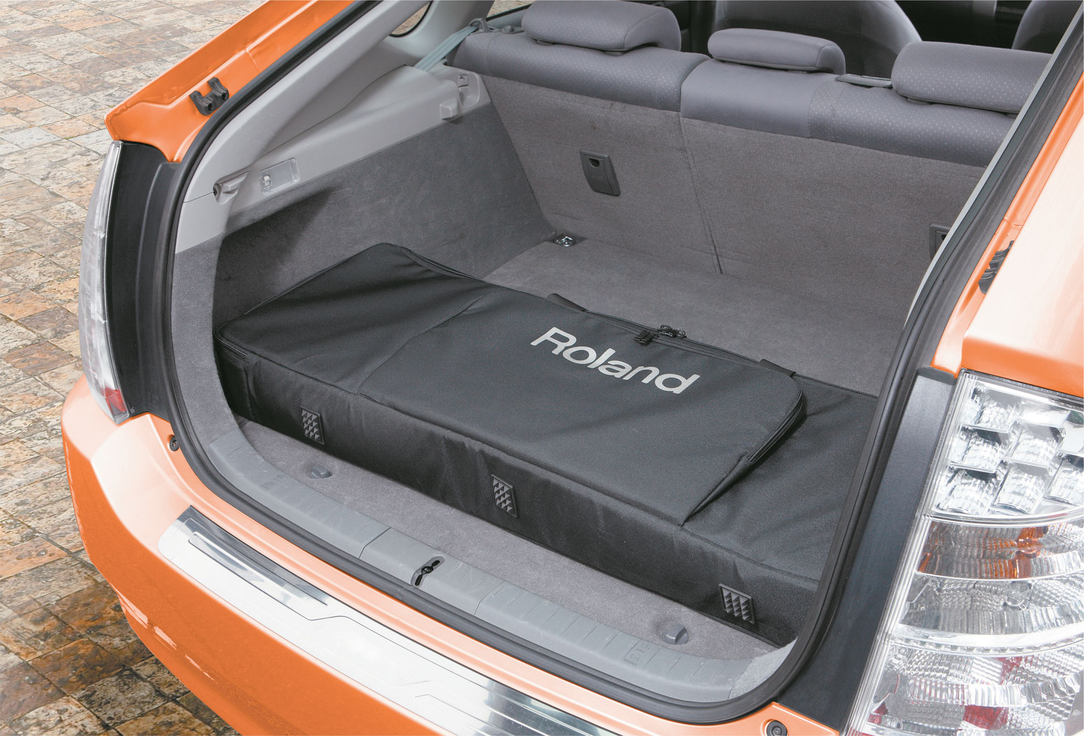 rd 64 trunk 2 gal - Roland Rd-64 Digital Piano
