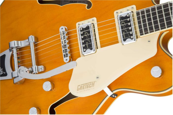 2509300520 gtr frtbdydtl 001 nr 700x467 - Gretsch G5622T-CB Electromatic Center-Block Double-Cut with Bigsby. Vintage Orange.