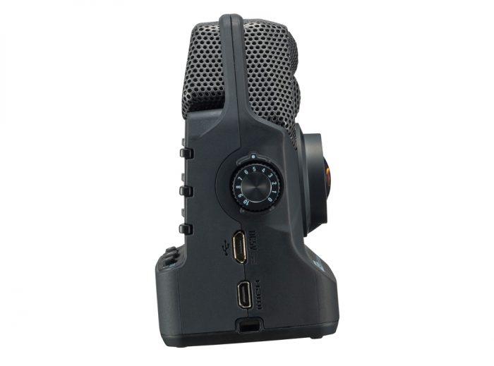 ZOQ2N 2 700x519 - Zoom Q2n Handy Video Recorder