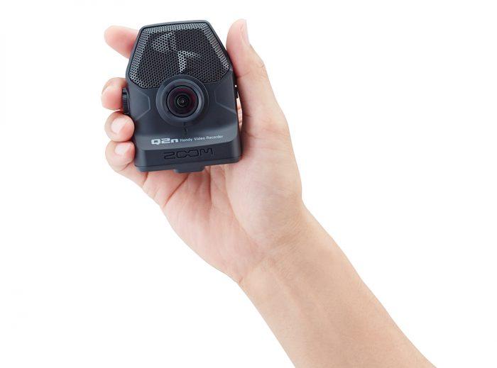 ZOQ2N 5 700x519 - Zoom Q2n Handy Video Recorder